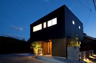 R+house厚木 (株)桜建築事務所